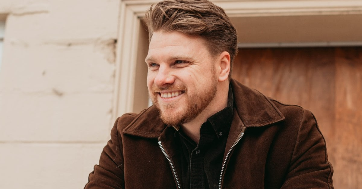 """Greg Rider releases new single """"One Town Away"""""""