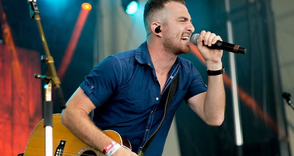 Kris Barclay performing at Boots & Hearts