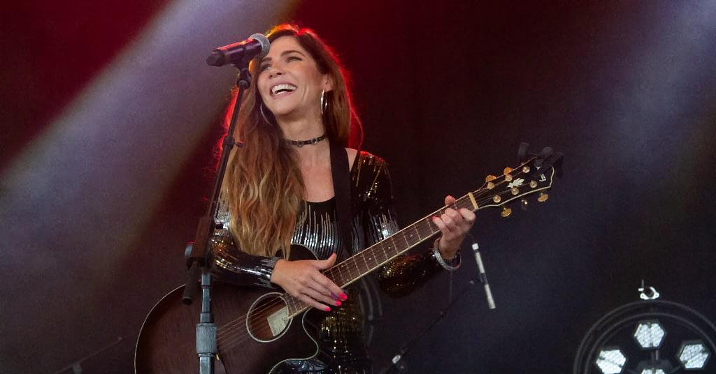 Rebecca Rain performing at Boots & Hearts 2019