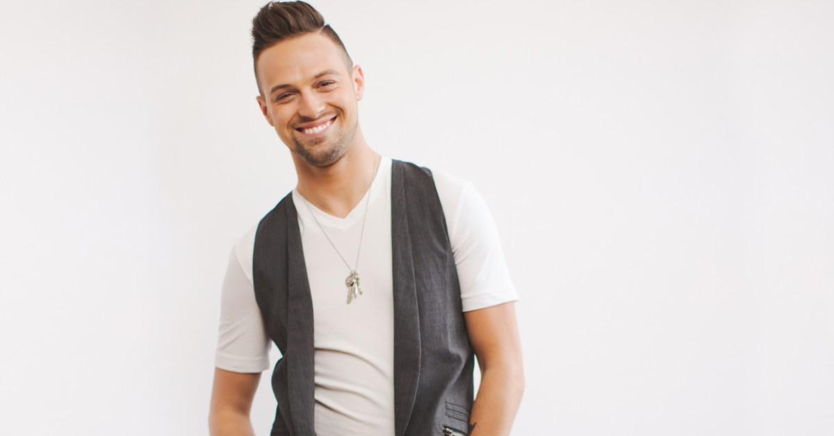 Gay country artist Shawn Richard