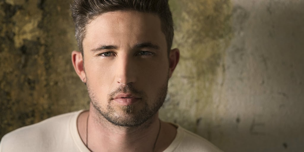 Michael Ray country artist