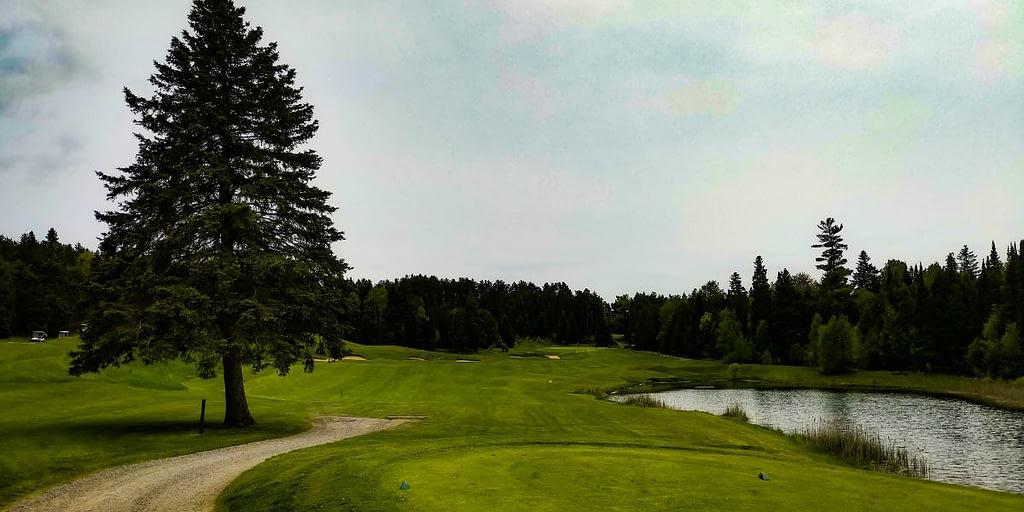 Black Diamond Golf Course in Pontypool