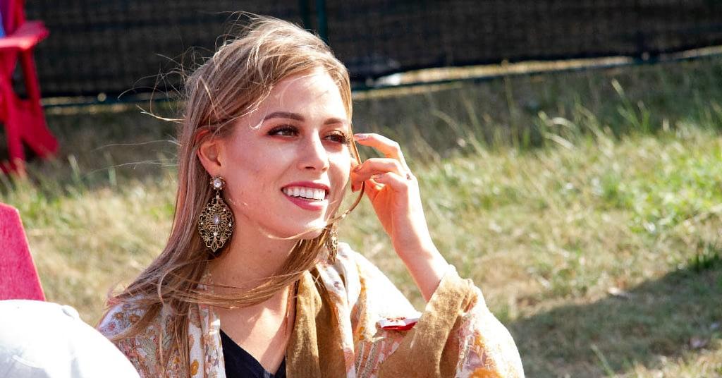 Mackenzie Leigh Meyer, the Divebar Diva interviewed