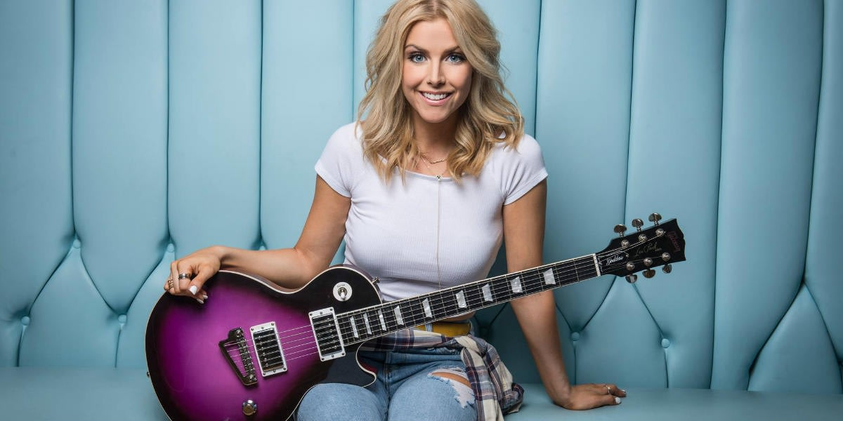 Lindsay Ell With a Guitar